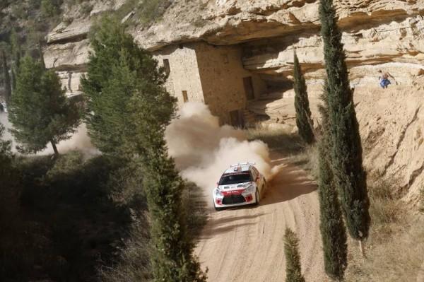 WRC-2014-CATALOGNE-La-DS3-CITROEN-de-Seb-CHARDONNET-et-Thibault-de-la-HAYE