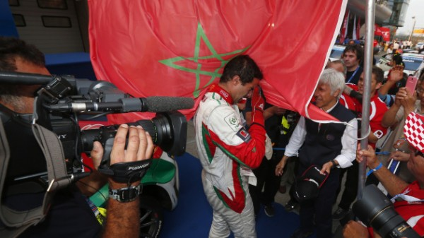 WTCC.-A-SHANGHAI-MEHDI-BENNANI-Vainqueur-de-la-seconde-course-avec-sa-HONDA-CIVIC.