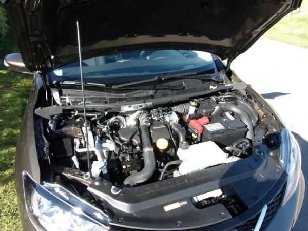 Essai-Nissan-Pulsar-Cest-le-moteur-110-CV-diesel-dans-la-Pulsar-Photo-Patrick-Martinoli