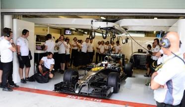 F1 2014  ABIOU DHABI - Premiers tours de roue de la nouvelle McLaren Honda en essai en GP