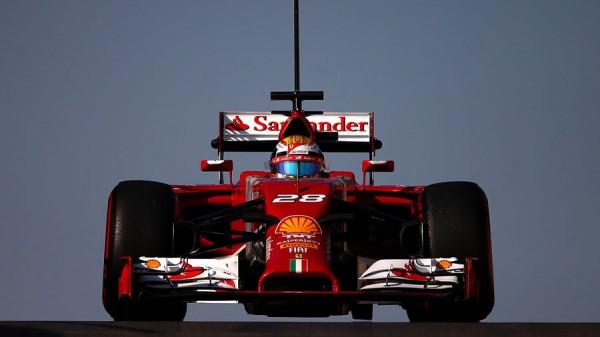 F1-2014-ABOU-DHABI-Test-fin-de-saison-Raffaelle-MARCIELLO-avec-la-FERRARI.