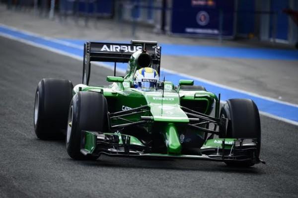 F1-2014-JEREZ-La-CATERHAM-RENAULT-de-Marcus-URICSSON-quitte-son-stand-29-janvier-Photo-Max-MALKA