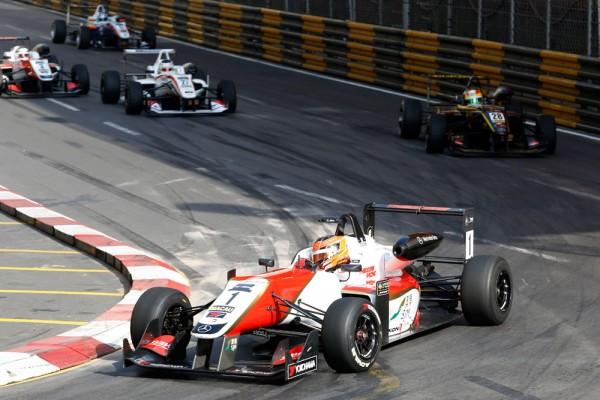F3-2014-MACAO - Esteban OCON le CHAMPION d EIEOPE bien malchanceux au GP de MACAO