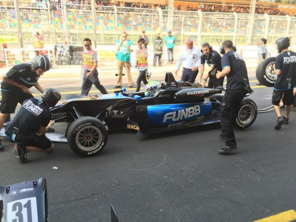F3-2014-MACAO-La-DALLARA-VW-Team-SIGNATURE-de-William-BULLER