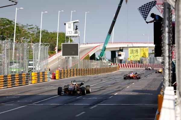 F3-2014-MACAO-Vainqueur-du-GP-DE-MACAO-2014-Felix-ROSENQVIST