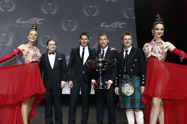 FIA REMISE DES PRIX Ve,ndredi 6 Decembre 2013 a PARIS - DUCAL-KRISTENSEN et MCNISH et les GIRLS du MOULIN ROUGE.