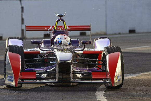 FORMULE-E-2014-PUTRAJAYA-BIRD-Team-VIRGIN