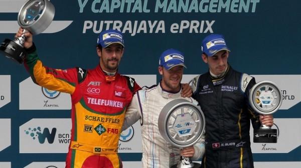 ORMULE E 2014 PUTRAJAYA - Le podium avec Lucas di GRASSI 2éme Sam BIRD le vainqueur et Sebastien BUEMI 3éme