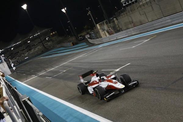 GP2-2014-ABOU-DHABI-Stoffel-VANDOORNE-1er-de-la-1ére-course