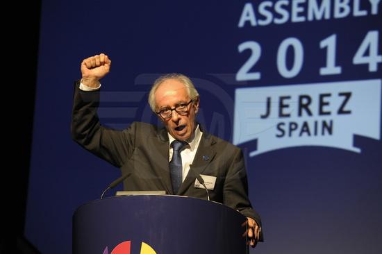 MOTO-2014-VITO-IPPOLITO-réélu-President-de-la-FIM-samedi-22-novembre-a-JEREZ