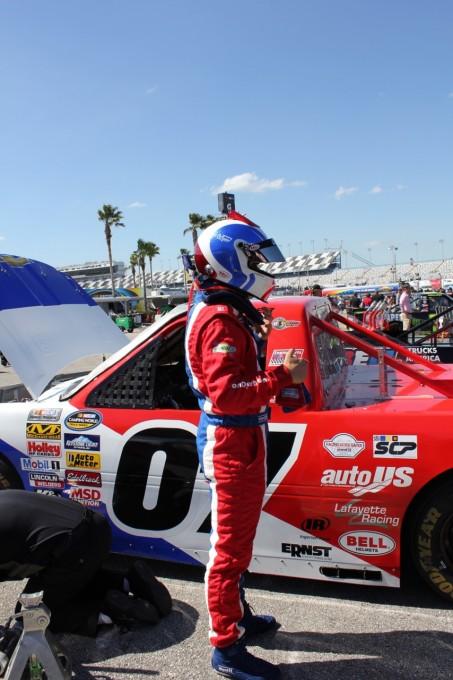 NASCAR-Michel-DISDIER-avant-le-depart-dune-manche