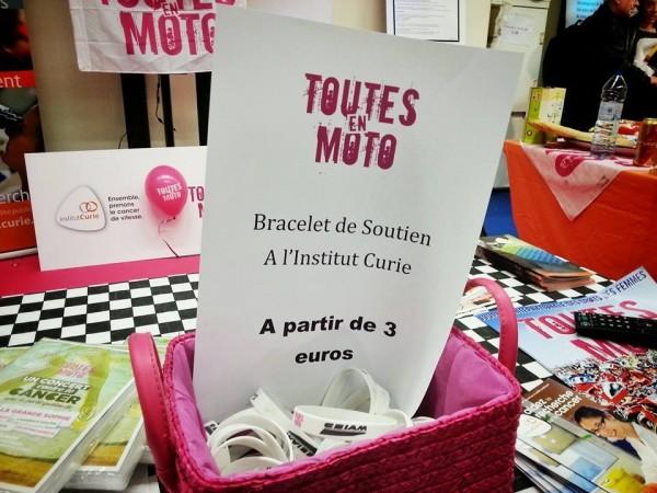 SANDRINE-DUFILS-TOUTES-EN-MOTO-Le-petit-bracelet-de-soutien