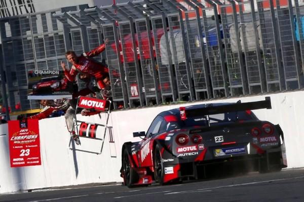 SUPER-GT-2014-MOTEGI-QUINTARELLI-MATSUDA-SACRES-CHAMMPIONS-2014