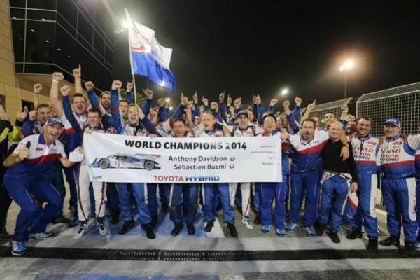 WEC 2014- A BAHREIN - Les pilotes TOYOTA SEB BUEMI et Anthony DAVIDSON sont couronnés CHAMPIONS DU MONDE D'ENDURANCE WEC ce samedi 15 novembre