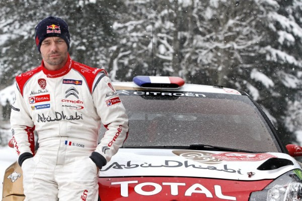 WRC MONTE CARLO LOEB pose devant la DS3 CITROEN.
