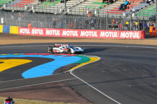 24-H-du-MANS-2014-Tom-Kristensen-rate-une-dixième-couronne-mancelle-mais-finit-comme-dhabitude-sur-le-podium-Photo-Patrick-Martinoli.j
