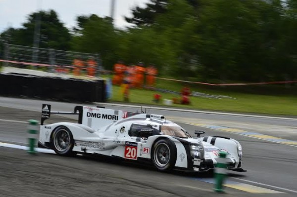 24-HEURES-DU-MANS-2014-Test-1er-juin-La-PORSCHE-Num-20-de-WEBBER-HARTLEY-Photo-Max-MALKA