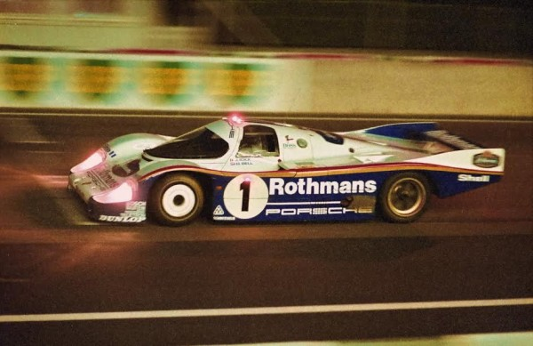 J ACKY-ICKX-Derek-BELL-Porsche-956-24-Heures-du-Mans-1982-vainqueurs-©-Manfred-GIET