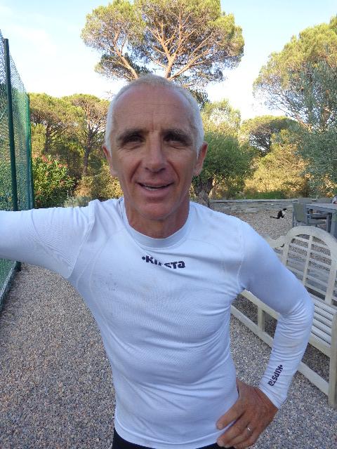 François DELECOUR chez lui au Plan de la TOUR au dessus de Sainte-Maxime - Photo autonewsinfo