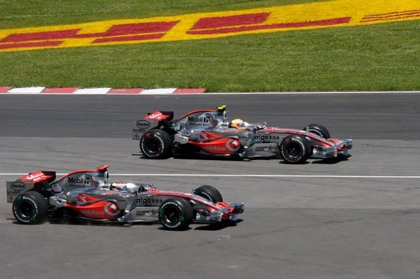 F1-2007-ALONSO-et-HAMILTON-les-deux-pilotes-du-Team-McLAREN-au-GP-du-CANADA