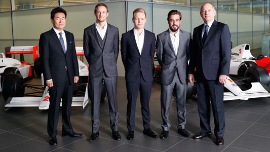 F1-2015-MC-LAREN-Les-pilotes-ALONSO-BUTTON-et-le-reserviste-MAGNUSSEN