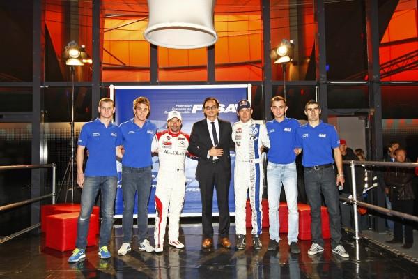 FFSA-Presentation-equipe-de-FRANCE-avec-leur-Capitaine-Seb-LOEB-aux-cotes-du-President-Nicolas-DESCHAUX-photo-FFSA-DPPI.