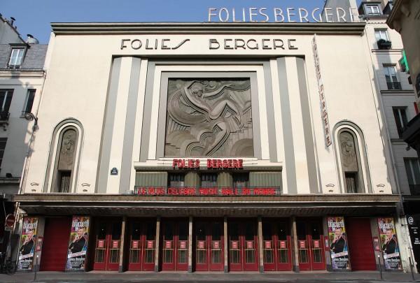 FOLIES BERGERE a PARIS