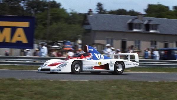 JACKY-ICKX-Brian-REDMAN-24-Heures-du-Mans-1979-avec-la-PORSCHE-936-78-©-Manfred-GIET