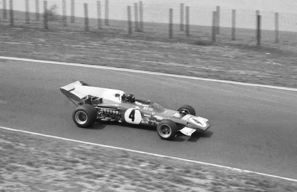 JACKY-ICKX-NÜRBURGRING-1972-sa-8ème-et-derniere-victoire-sur-la-Ferrari-312B2-©-Manfred-GIET-