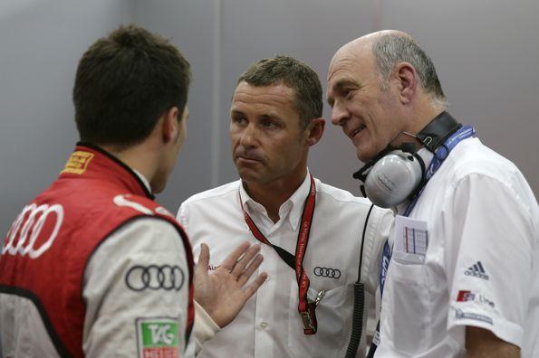 WEC-2013-a-BAHREIN-Dr-Wolfgang-Ullrich-avec-Tom-Kristensen-et-Loïc-Duval
