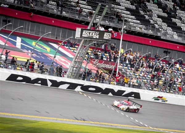 24-HEURES-DE-DAYTONA-2014-ACTION-EXPRESS-RACING-Corvette-DP-Chevrolet-Joao-Barbosa-Christian-Fittipaldi-Sebastien-Bourdais