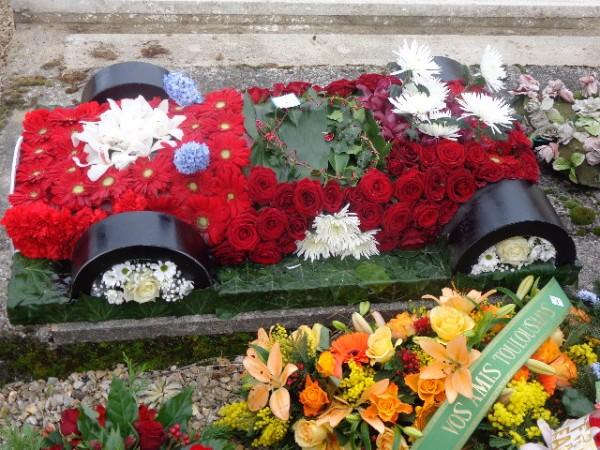 SA monoplace BRM  victorieuse du GP de MONACO en 1972 et reconstituéee en flrurs  photo autonewsinfo fleursd