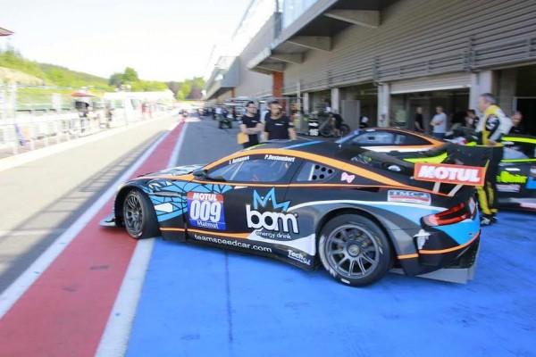 ENKEYDESIGN Aston Martin de Jimmy ANTUNES et Pascal DESTEMBERT.