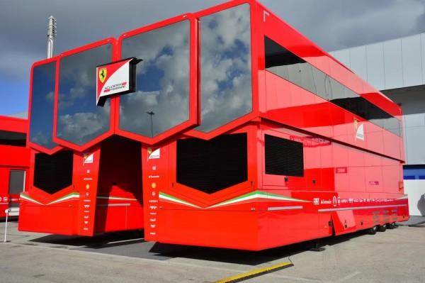 F1-2015-CIRCUIT-DE-JEREZ-DE-LA-FRONTERA-La-structure-de-la-SDCUDERIA-FERRARI-Photo-MAX-MALKA