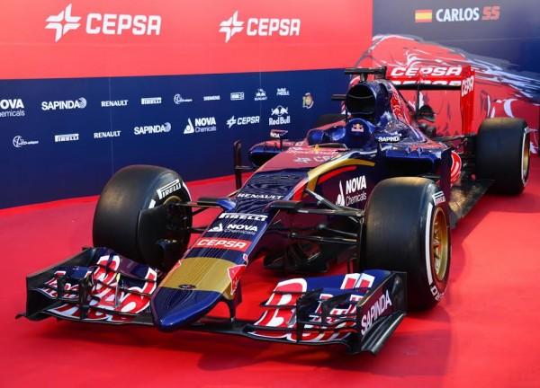 F1-2015-Presentation-de-la-nouvelle-TORO-ROSSO-STR9-JEREZ-de-la-FRONTERA-Photo-Max-MALKA