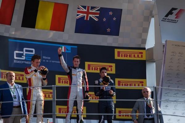 GP2-2014-MONZA-Le-podium-de-la-1ére-course-le-6-septembre-avec-Stoffel-VANDOORNE-le-Vainqueur