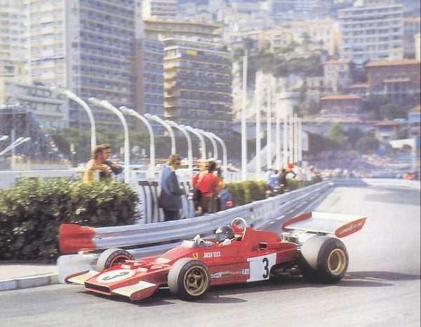 JACKY-ICKX-Au-volant-de-la-FERRARI-au-GP-de-MONACO-1973