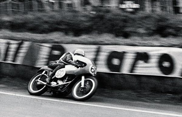 JEAN-PIERRE-BELTOISE-EN-1964