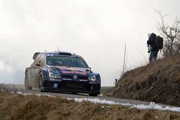 MONTE-CARLO-2015-La-VW-POLO-WRC-de-Seb-OGIER-leader-vendredi-soir-23-janvier