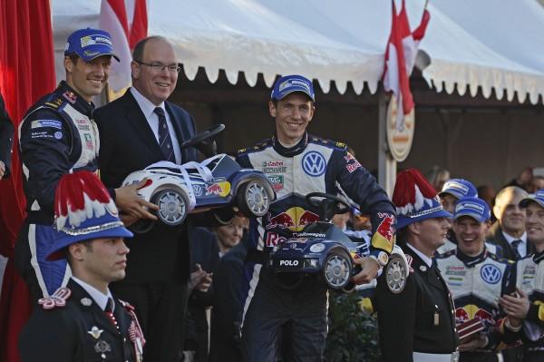 MONTE CARLO 2015- Les vainqueurs Sebastien OGIER et Julien INGRASSIA fetent leur victoire en compag,ie du PRINCE ALBERT de MONACO.