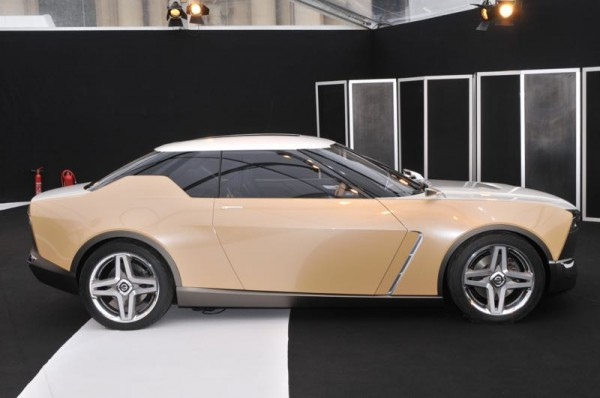 SALON-CONCEPT-CAR-PARIS-2015-NISSAN-IDX-FREE-FLOW