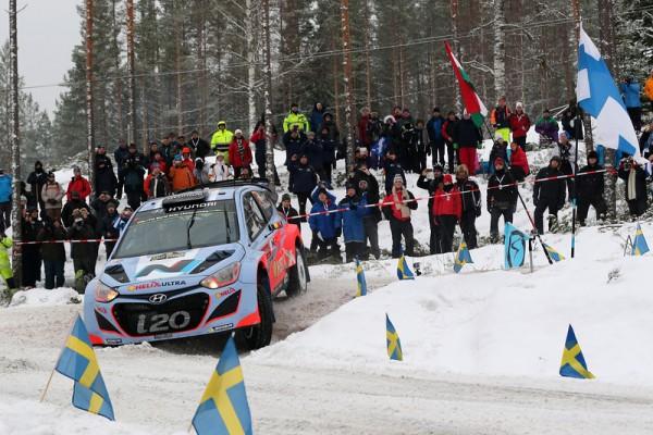 WRC-2014-SUEDE-la-HYUNDAI-i20WRC-de-NEUVILLE-GILSOUL