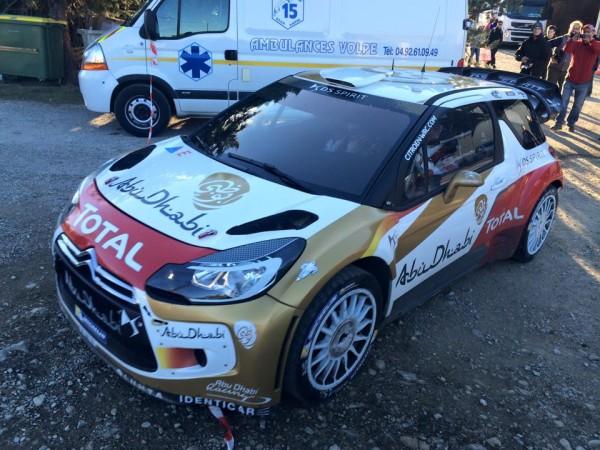 WRC-2015-DS3-de-LOEB-en-pleine-reco-du-cote-de-ST-ANDRE-ce-8-janvier