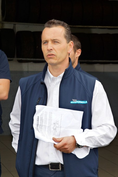 EURO-FORMULA-LAURENT-FRADON le Directeur de l'Ecole de pilotage du circuit de La Châtre