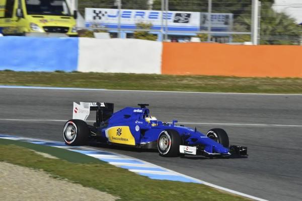 F1-2015-JEREZ-Dimanche-1er-fevbrier-La-SAUBER-FERRARI-de-Marcus-ERICSSON-Photo-Max-MALKA
