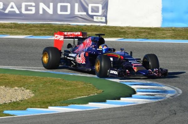 F1-2015-JEREZ-Dimanche-1er-fevrier-TORO-ROSSO-Carlos-SAINZ-Junior-Photo-Max-MALKA