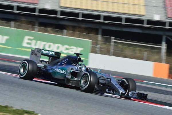 F1-2015-MONTMELO-27-FEVRIER-NICO-ROSBERG-avec-la-MERCEDES-2015-Photo-MAX-MALKA