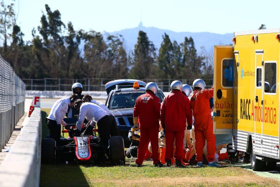 F1-2015-MONTMELO-ACCIDENT-pour-ALONSO-Photo-DR