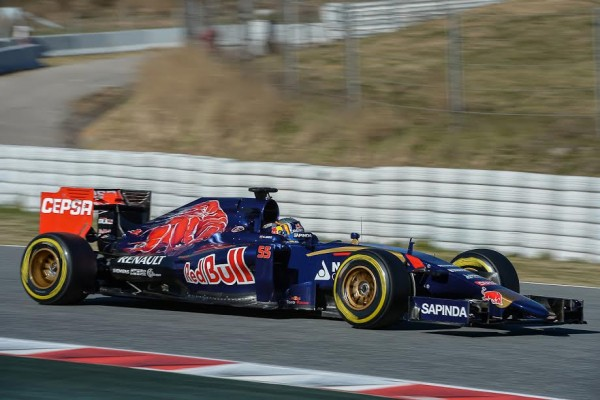 F1-2015-MONTMELO-CARLOS-SAINZ-jr-Photo-Antoine-CAMBLOR