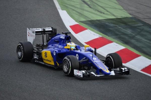 F1-2015-MONTMELO-Jeudi-26-fevrier-MARCUS-ERICCSON-et-sa-SAUBER-Photo-Max-MALKA